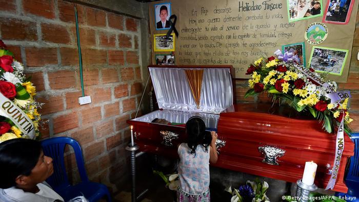 Kolumbien Morde an Ureinwohnern - Bestattung (Getty Images/AFP/L. Robayo)