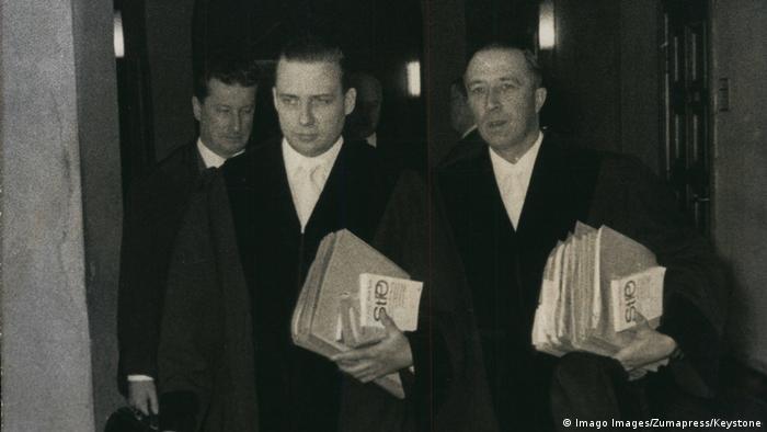 Gerhard Wiese (z lewej) podczas drugiego procesu załogi Auschwitz we Frankfurcie (grudzień 1965)