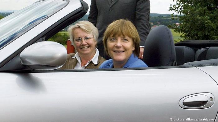 Deutschland Angela Merkel bei Porsche