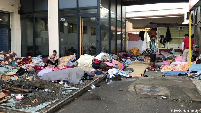 Bosnien und Herzegowina l Migranten in Tuzla (DW/D. Maksimović )