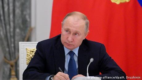 Ο Πούτιν 20 χρόνια στην εξουσία