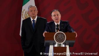 Foto de secretario de Seguridad, Alfonso Durazo, junto al presidente de México, Andrés López Obrador.