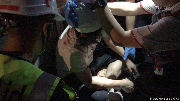 Hong Kong ein Chinese wurde bei den Auseinandersetzung mit den Studenten verletzt