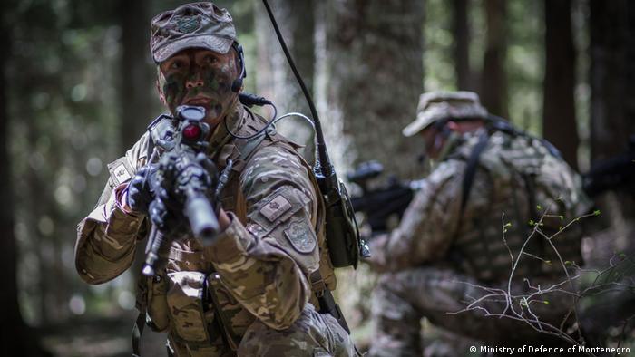 Vojnici Crne Gore na vežbi