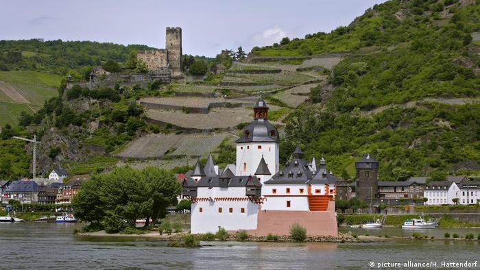 Замок Гутенфельс (Burg Gutenfels) на Среднем Рейне