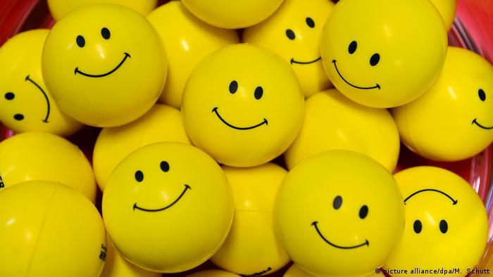Deutschland Emotion Glück l Symbolbild - Smiley (picture alliance/dpa/M. Schutt)