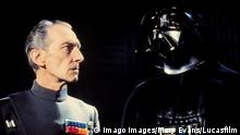 Peter Cushing im Film Star Wars Episode IV A New Hope
