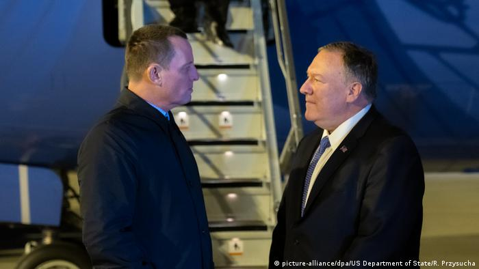 US Secretary of State Mike Pompeo (r.) and US Ambassador to Germany Richard Grenell (picture-alliance/dpa/US Department of State/R. Przysucha)