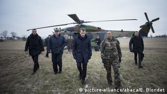 Frankreich Präsident Emmanuel Macron besucht Militärmanöver