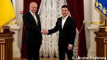 Präsident Volodymyr Zelenskii und EU-Botschafter in der Ukraine Matti Maasikas