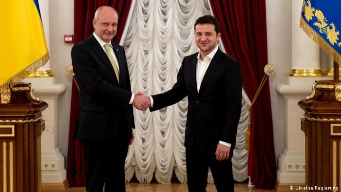 Новий посол ЄС в Україні Матті Маасікас та президент України Володимир Зеленський