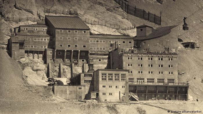 Горная гостиница Шнефернерхаус в 1930-х годах