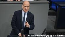 08.11.2019, Berlin: Ralph Brinkhaus, Fraktionsvorsitzender der CDU/CSU-Fraktion, spricht im Bundestag zum Thema 30 Jahre Mauerfall. Foto: Jörg Carstensen/dpa | Verwendung weltweit