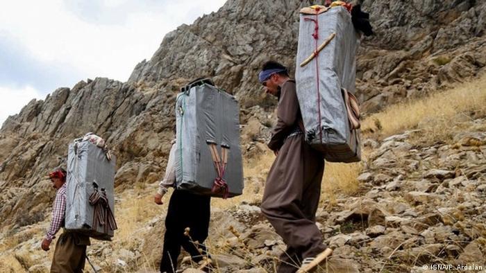 Iran Schulterträger (ISNA/F. Ardalan)