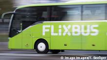 Flixbus fährt durch Berlin Flixbus *** Flixbus goes through Berlin Flixbus