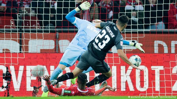 Dusseldorf Gleicht Dreimal Auf Schalke Aus Alle