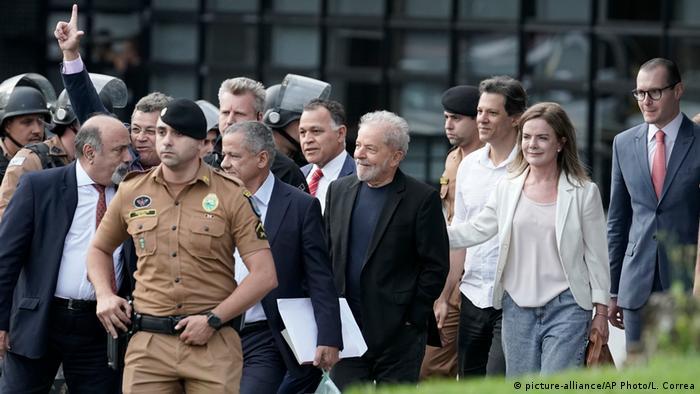 Saída de Lula da prisão em Curitiba