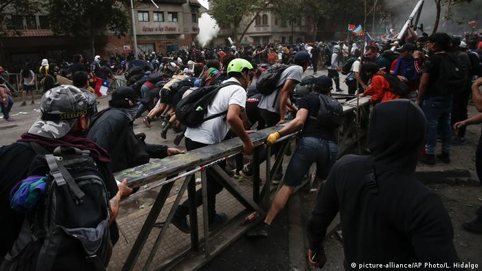 Chile Protest (picture-alliance/AP Photo/L. Hidalgo)