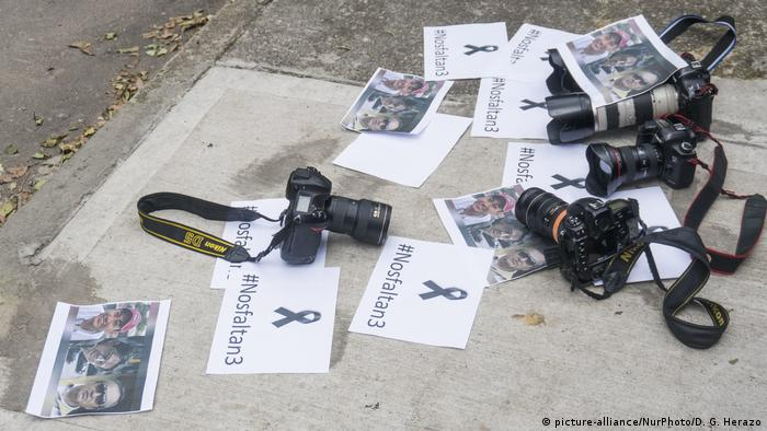 Planton für den Mord an ecuadorianischen Journalisten (picture-alliance/NurPhoto/D. G. Herazo)