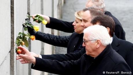 Deutschland Gedenkfeier zum Mauerfall in Berlin - Steinmeier dankt Osteuropäern (Reuters/F. Bensch)