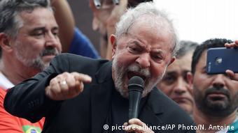 Les quiero decir que he vuelto, dijo Lula, dirigiéndose al gobierno de Bolsonaro. (9.11.2019).
