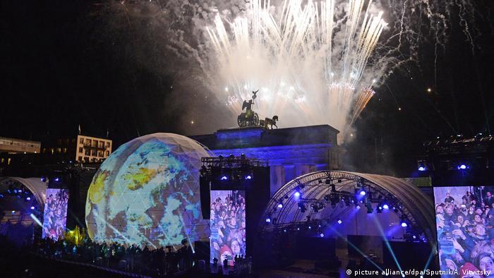 Fireworks are set off at the Brandenburg Gate