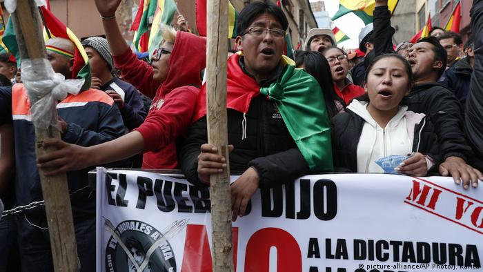 Proteste in Bolivien (picture-alliance/AP Photo/J. Karita)
