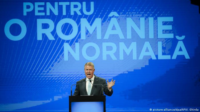 Klaus Iohannis (fotografie din august 2019, din campania electorală pentru alegerile prezidențiale)