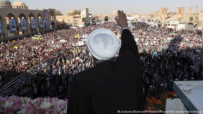 Hassan Rohani bei der Kundgebung in Yazd