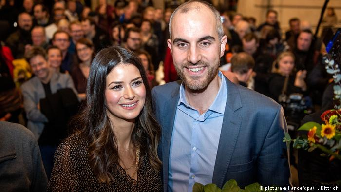 Belit Onay celebrates his mayoral victory with his wife