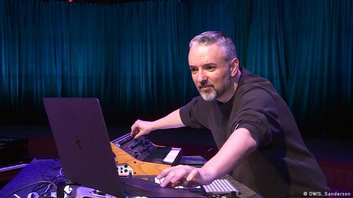 El destacado productor musical lleva más de tres décadas en la escena de la música electrónica.