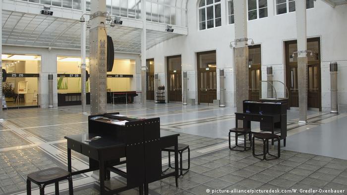 Österreich Wien | Österreichische Postsparkasse - Kassensaal