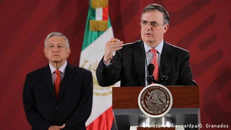 Foto de Marcelo Ebrard con Andrés Manuel López Obrador