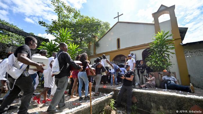 Kolumbien Trauerfeier Gedenken Bojawa Massaker (AFP/R. Arboleda)