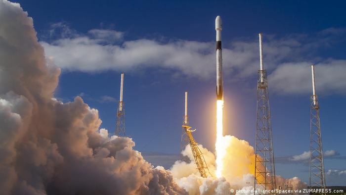 Запуск интернет-спутников на ракете Falcon 9