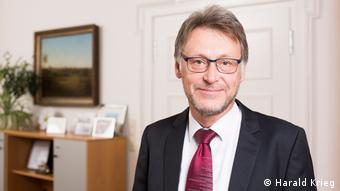 Integration internationaler Strudierende - Universität Magdeburg Rektor Jens Strackeljan (Harald Krieg)