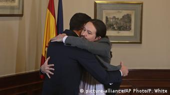 Το καλοκαίρι δεν ήθελαν, αλλά τώρα οι Σάντσεθ και Ιγκλέσιας σχηματίζουν την πρώτη κυβέρνηση συνασπισμού στη σύγχρονη ιστορία της Ισπανίας