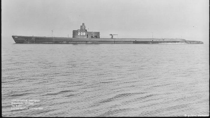 Submarino USS Grayback, aqui em foto de 1941, afundou com uma tripulação de 80 membros