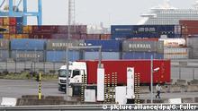 Großbritannien | 39 Leichen in LKW Container gefunden