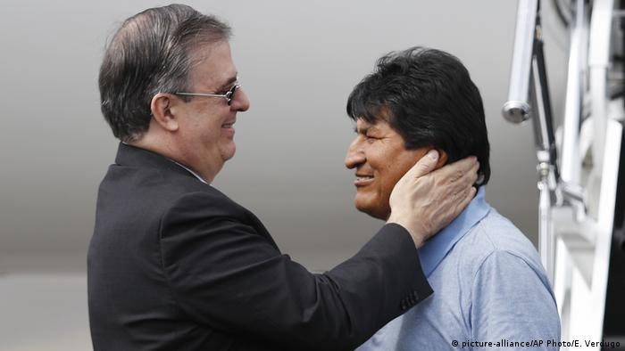 Mexiko Stadt | Ankunft Evo Morales, Ex-Präsident Bolivien | mit Marcelo Ebrard, Außenminister