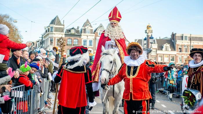 Rassismus l Blackfacing - Sinterklaas-Parade