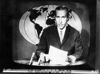 Die Tagesschau vvon 1965 mit Karl-Heinz Koepke (Foto: AP)