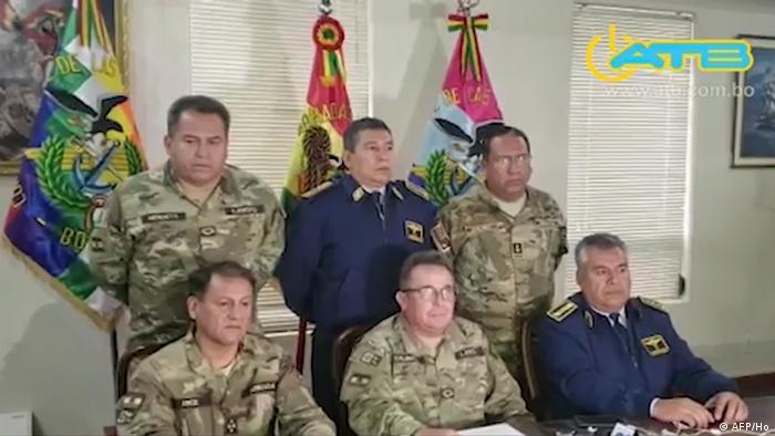 Bolivien TV-Ausstrahlung der Streitskräfte   Oberbefehlshaber der Streitkräfte Williams Kaliman (AFP/Ho)