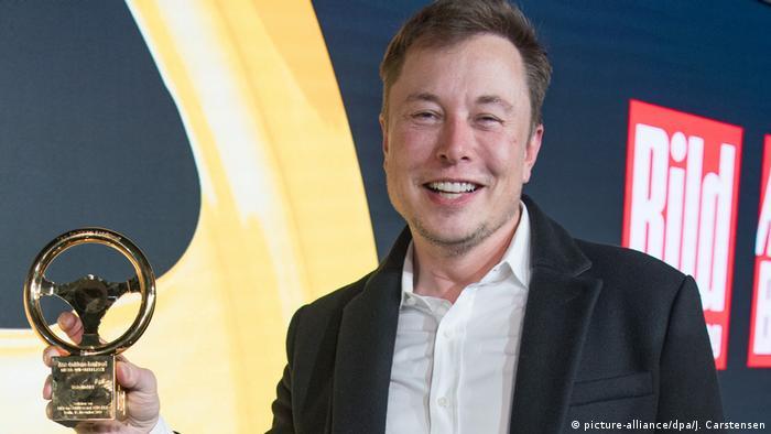 У Берліні Ілон Маск отримав премію Золоте кермо й оголосив про наміри спорудити в Німеччині свою фабрику