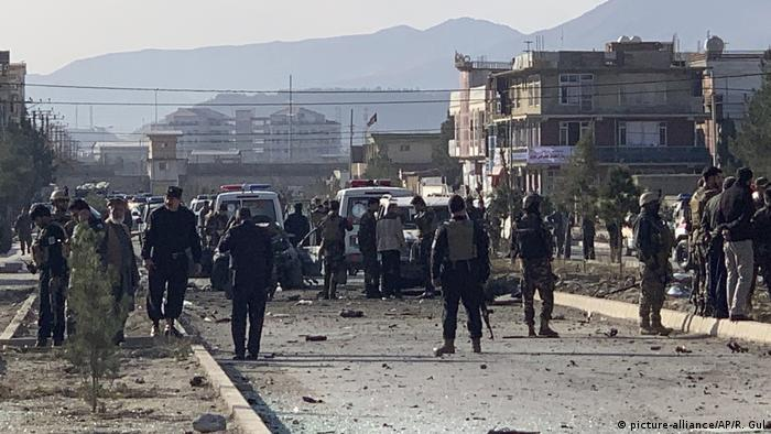 Afghanistan, Explosion in Kabul (picture-alliance/AP/R. Gul)