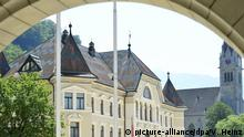 Princely palace in Liechtenstein (picture-alliance/dpa/V. Heinz)