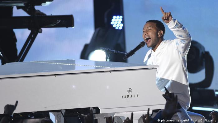 Musician John Legend performed concerts for Elizabeth Warren (picture-alliance/AP Photo/C. Pizzello)
