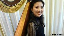 Kasumi Itokawa studiert Harfe an der Weimarer Musikhochschule Franz Liszt Fotograf: Dirk Wäsch Das Bild ist rechtefrei. Er ist mit der Veröffentlichung und der weiteren Nutzung einverstanden.
