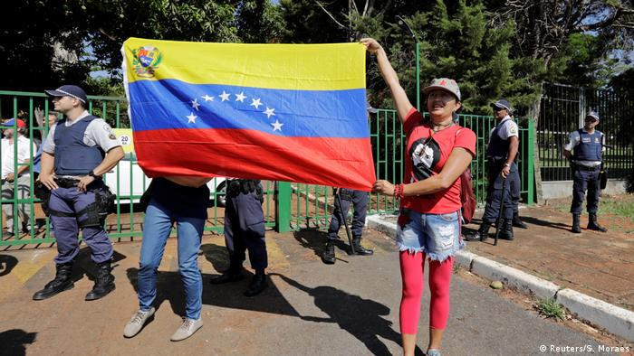 Brasilien Brasilia Proteste vor Botschaft Venezuela
