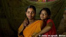 Bangladesch glückliche Mutter mit Kind